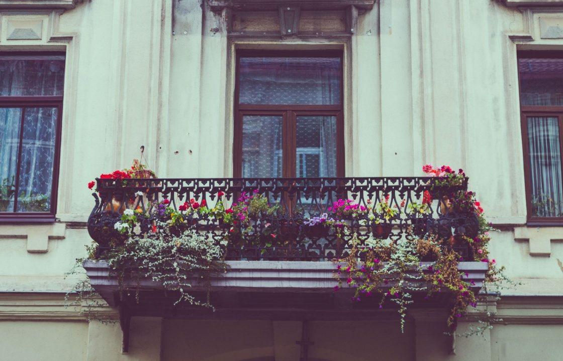 Jakie drzwi i okna balkonowe wybrać do naszego mieszkania?